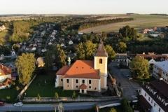 Kostel sv. Mikuláše z dronu